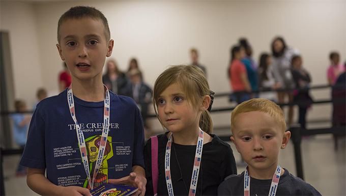 Gunfighter Jr. educates kids on deployment